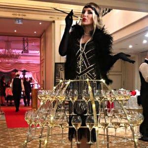 Animation robe flutes de champagne theme Annees 20 Shangri-La Hotel Paris événementiel