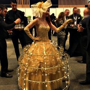 Robe à champagne animation porteuse apéritif