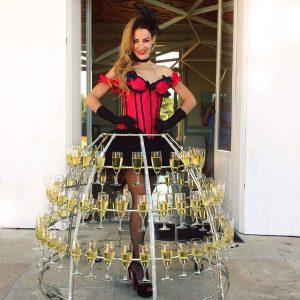 robe-champagne-2018-06-theme-Cabaret-Bordeaux-animation