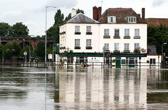 business insurance can hlep in the event of a flood