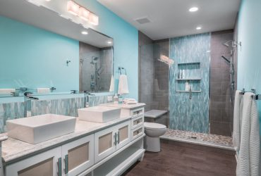 blue tiles can create a nice pop in the middle of a gray area