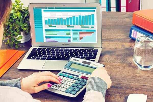 poor contractor accounting and bookkeeping is a common mistake