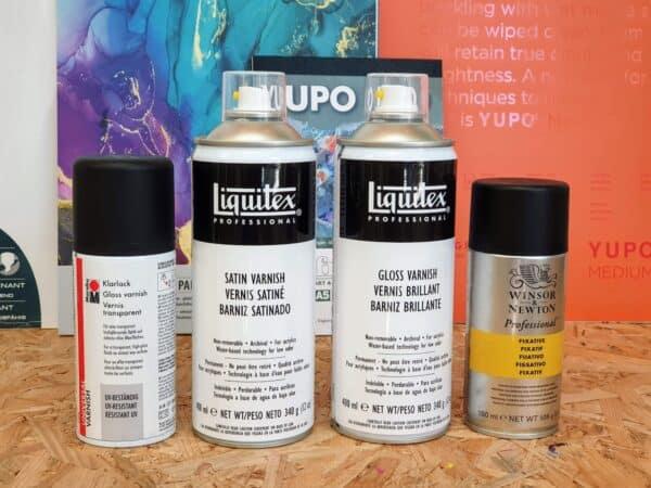 4 Sprays zur Fixieren von Alcohol Ink Bildern im Vergleich