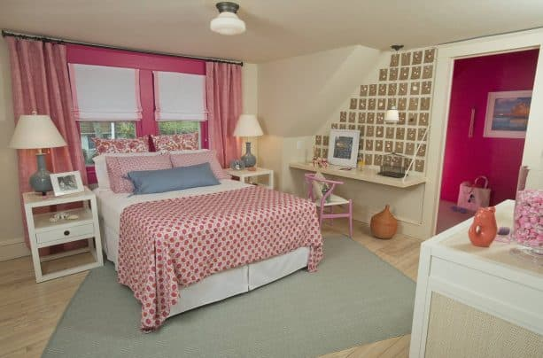 decorating your white and pink bedroom with shells? why not?