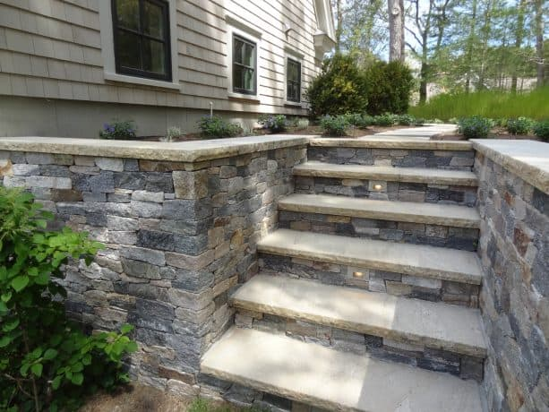 ledgestone thin veneer covering is perfect for a traditional house with concrete steps