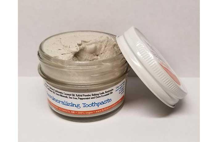 Robin Creations Zero Waste Toothpaste