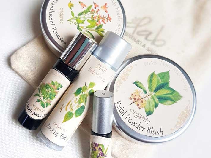 Dab Herb Organic Makeup Set