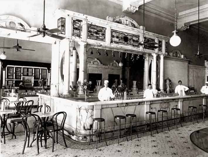 History of Plastic Straws - American Soda Fountain from 1925.