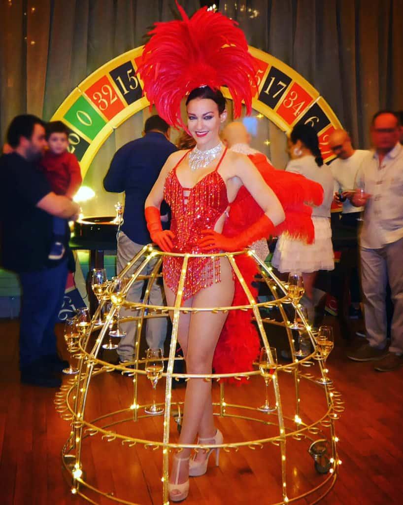 robe-champagne theme casino-showgirl