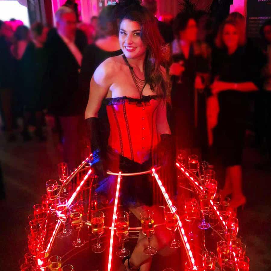 Robe porte coupe de champagne thème cabaret