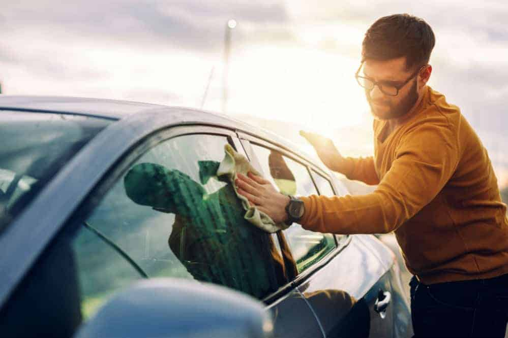 How to Clean Car Windows: Simple Tips and Tricks