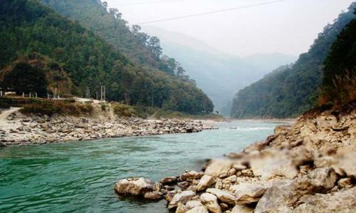 Gajoldoba situated 25 kms from Siliguri on Teesta Barrage, Jalpaiguri district