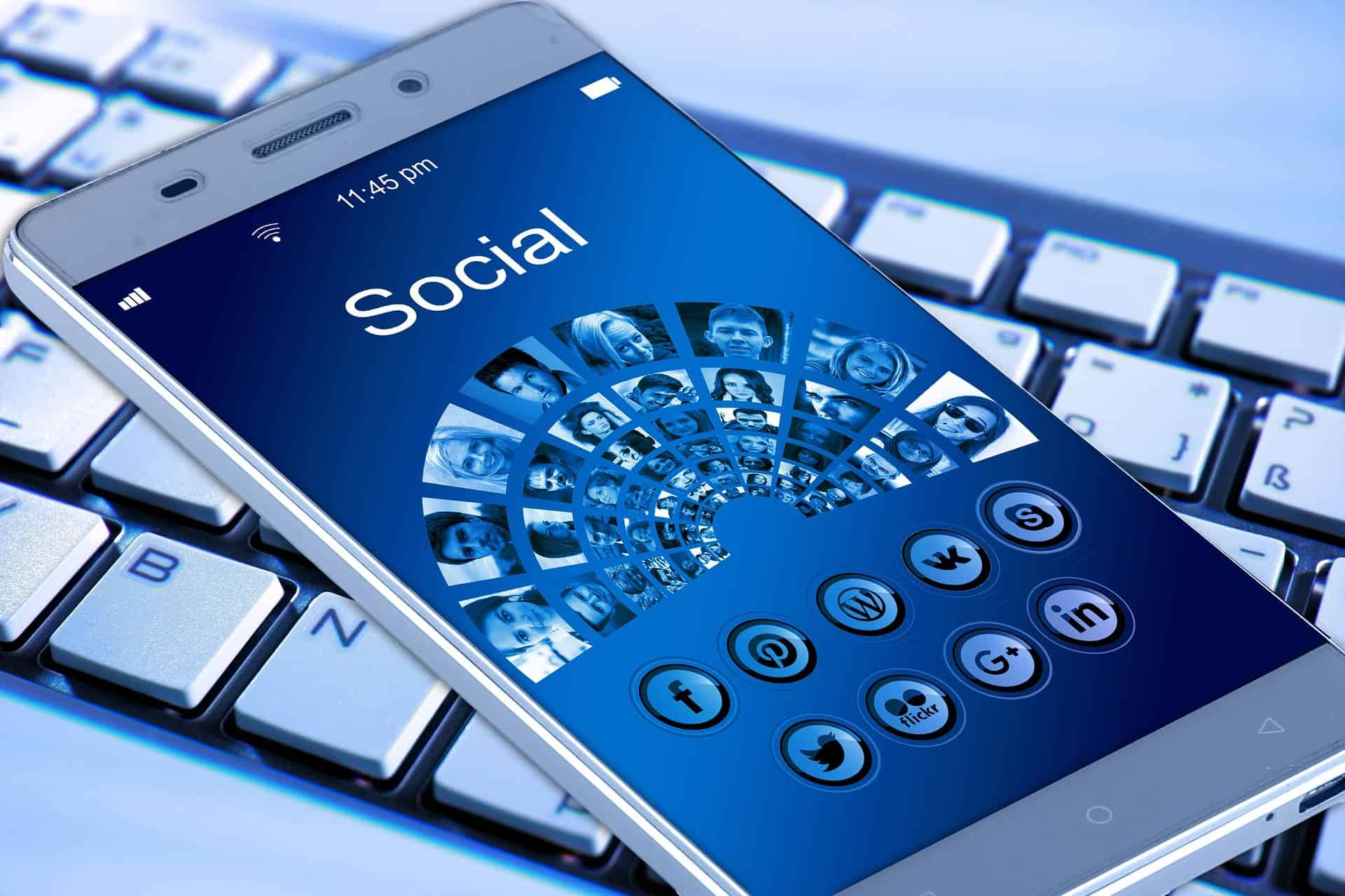 What do your social network profiles say about you?