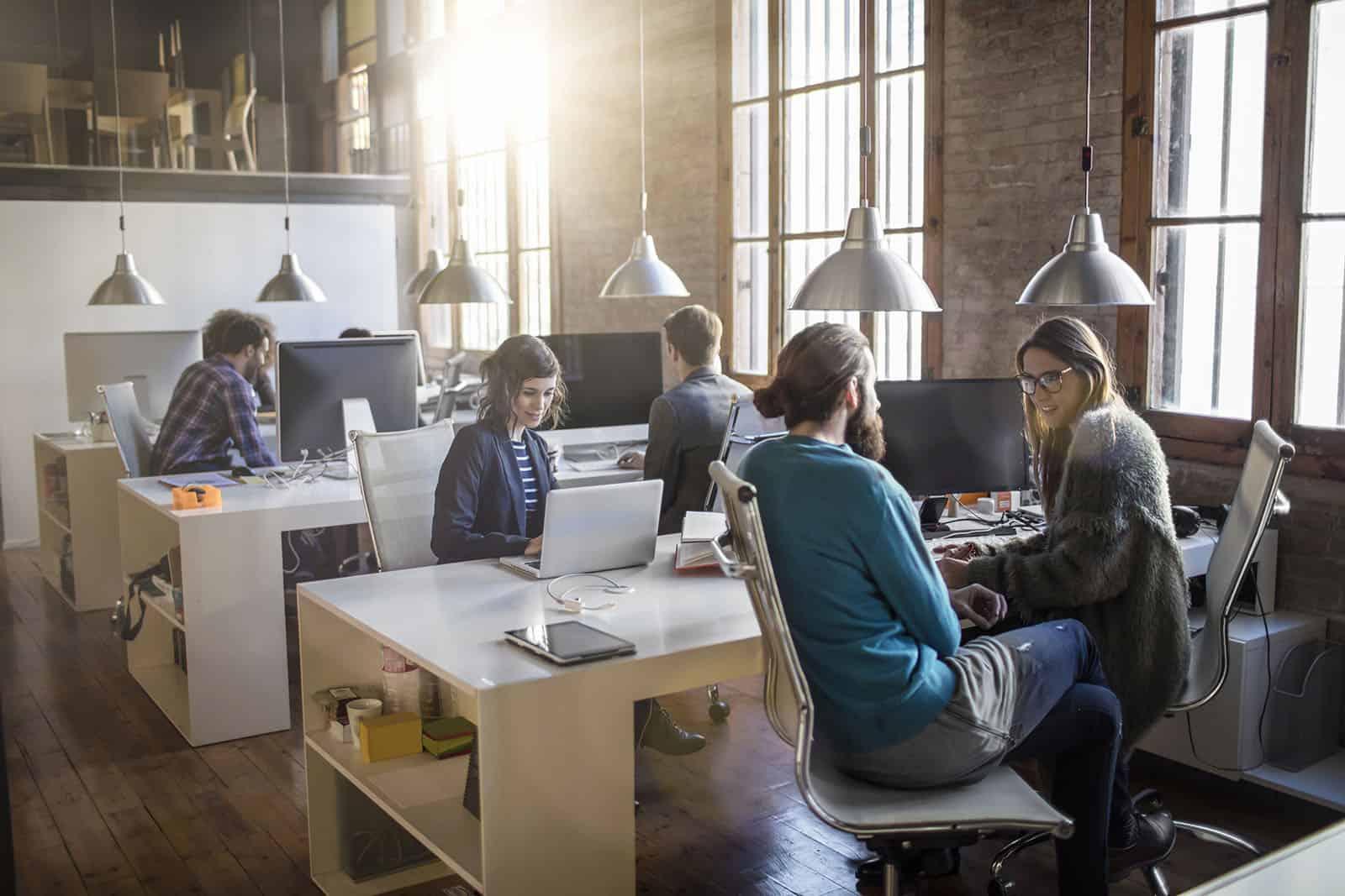 Le coworking à travers l'histoire