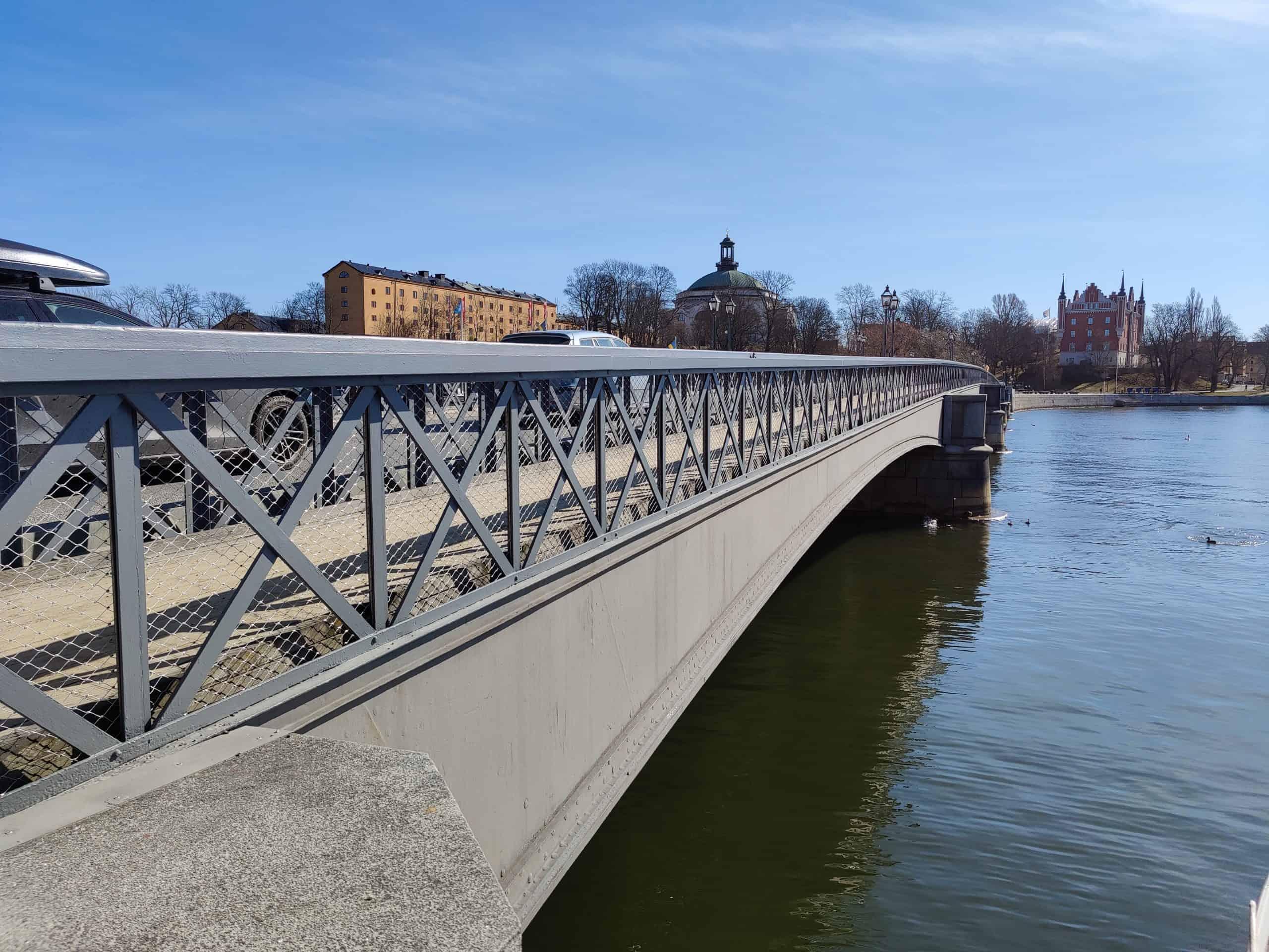 Skeppsholmsbron i Stockholm med designnät från Jakob Rope systems
