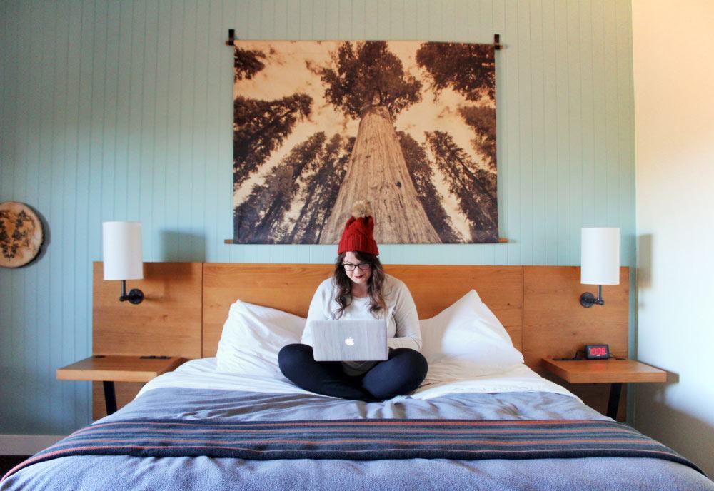 Cozy hotel room at Rush Creek Lodge near Yosemite National Park.