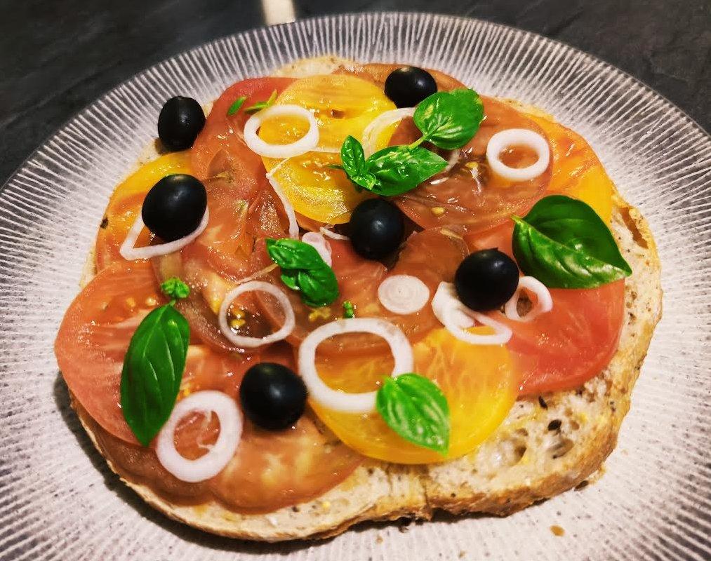 photo de Tartine à la tomate