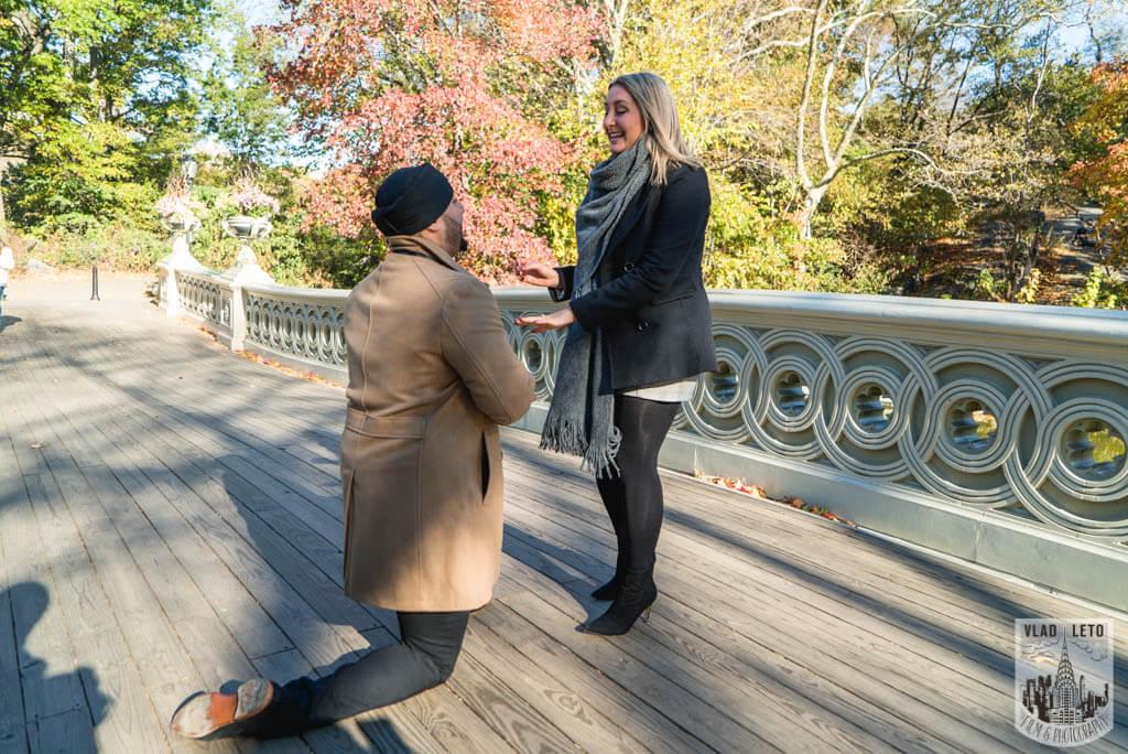 Photo Bow Bridge Marriage proposal | VladLeto