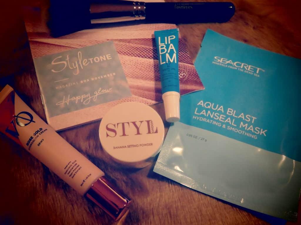 Styletonebox november 2019, een stijlvolle box van een combinatie met huidverzorging en make-up
