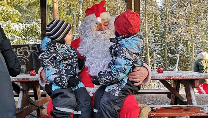 Lasten lahjatoiveet joulupukille
