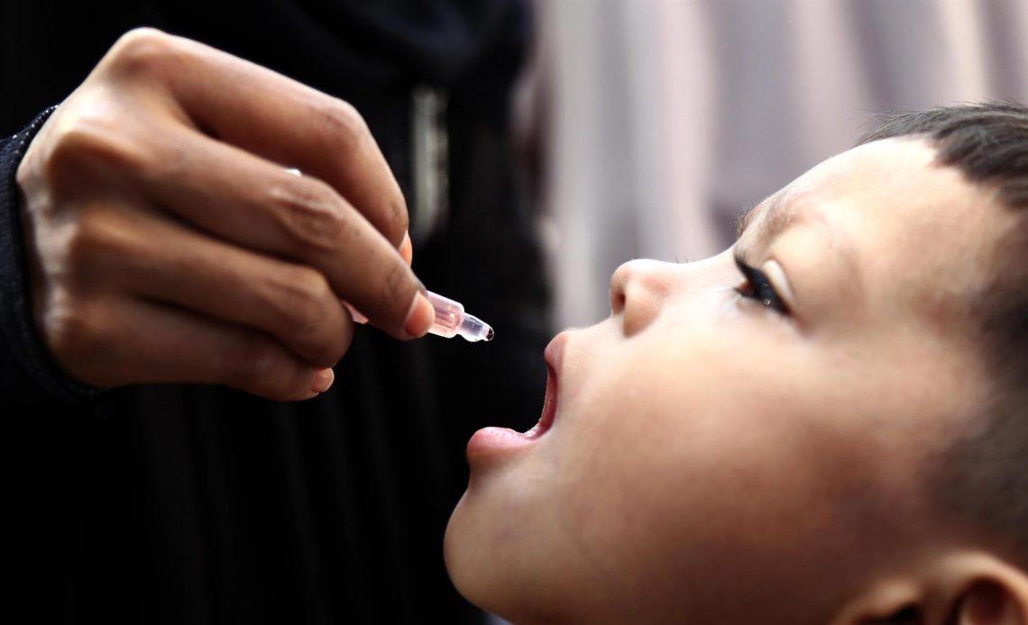 La pandemia frena la vacunación infantil, afectando a 23 millones de niños, según OMS