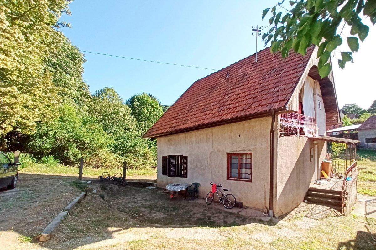 дом на Зворницком озере