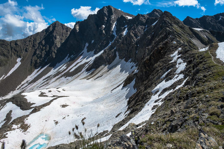 Bergkamm am der Finstertaler Scharte