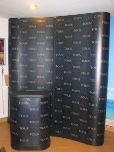 Łukowa ścianka reklamowa