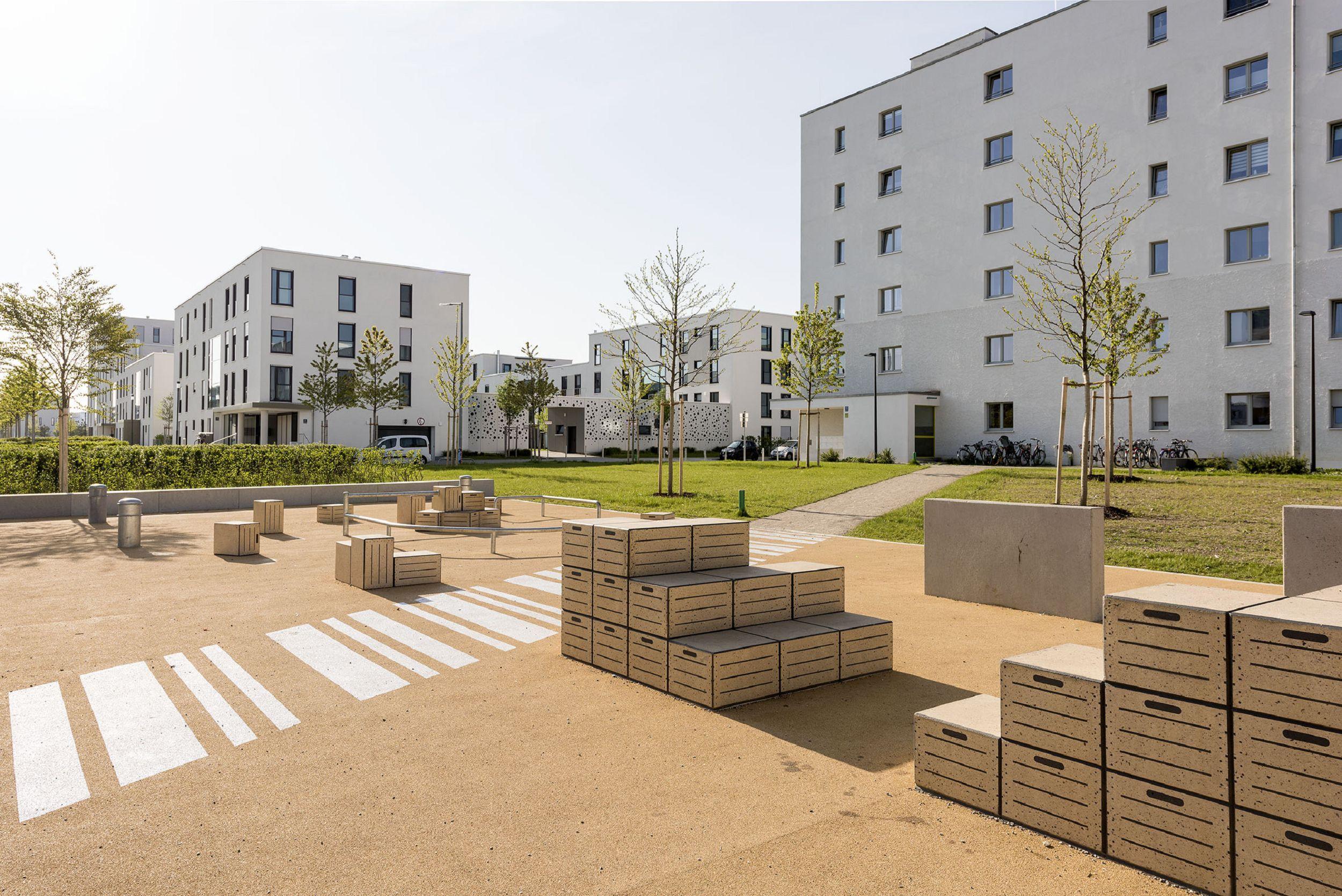 Bild: Parkouranlage im öffentlichen Grün an der Hochäckerstraße München, Foto: Johann Hinrichs Photography
