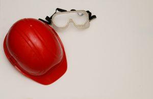 Lesen Sie bei Tipp zum Bau alles Wichtige zur richtigen Arbeitsschutz-Kleidung am Bau.
