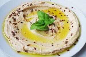 Hummus jako źródło białka