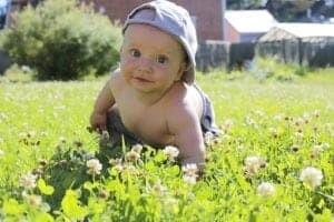 Erste Schritte mit Kinderschuhen von POLOLO