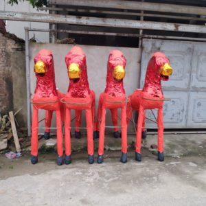 Rote Pferde in Vietnam