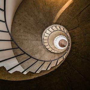 Was ein Treppenauge ist und wie es aufgebaut ist: Das erklärt das Glossar von Tipp zum Bau.