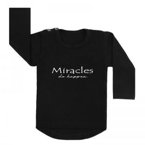 miracles happen shirt zwart