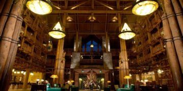 The lobby of the wilderness lodge at disney world was inspired by the pacific north west