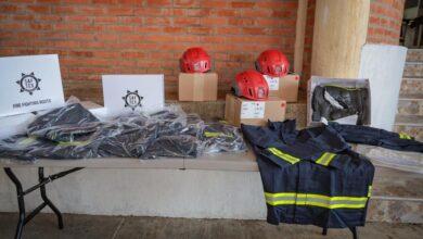 Photo of Gobernación entregó equipos al Cuerpo de Bomberos de Yopal.