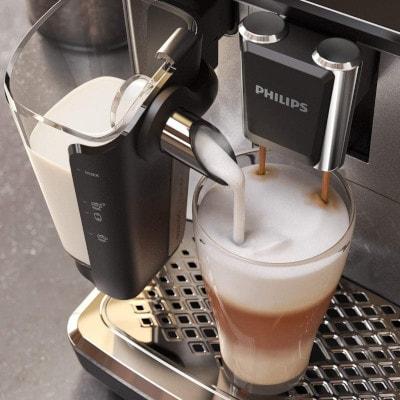 machine a cafe a grains philips ep3243 mousseur a lait