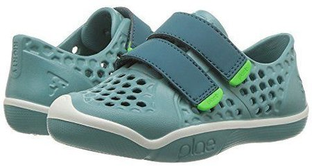 Plae mimo sneakers are made to get wet