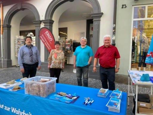 Infostand der AfD am 31.07.2021 auf dem Marktplatz in Kitzingen
