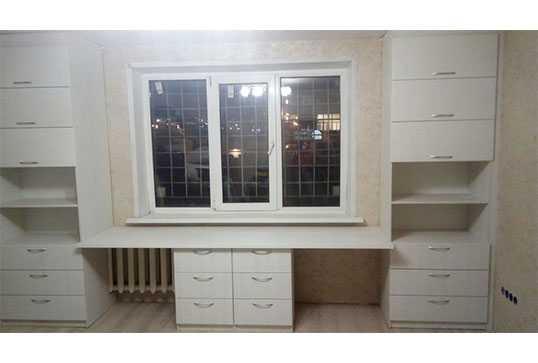 Стол письменный со шкафами