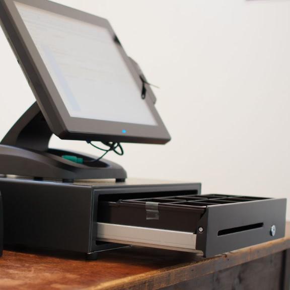 Quantum Touchkasse mit Drucker und Schublade (576x576)