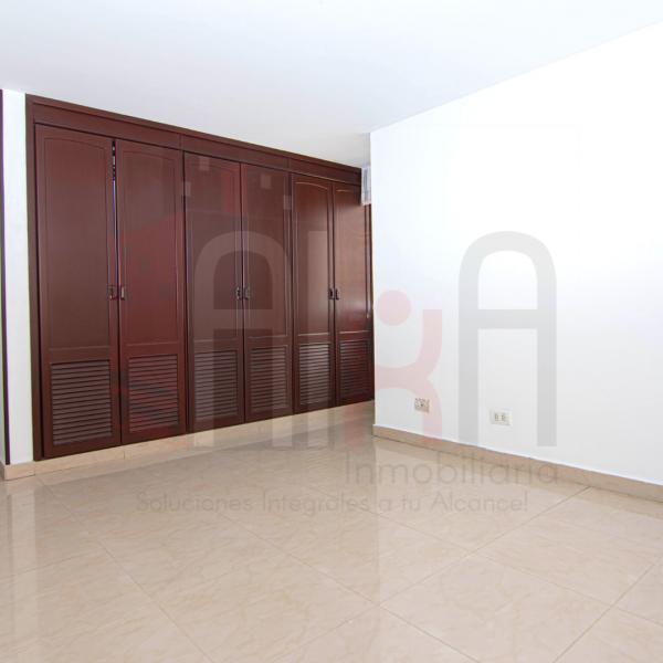 Apartamento con 3 habitaciones amplias
