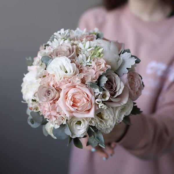 Свадебный букет с пудровыми розами и оксипеталумом №986 - Фото 1