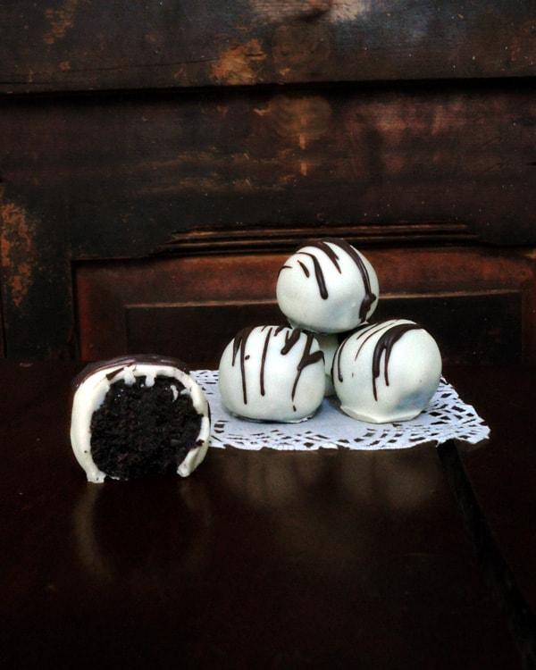 White Chocolate Oreo Truffles Stack