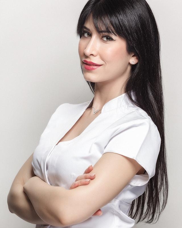 Julie créatrice et gérante de l'institut Dermobeauty Esthétique