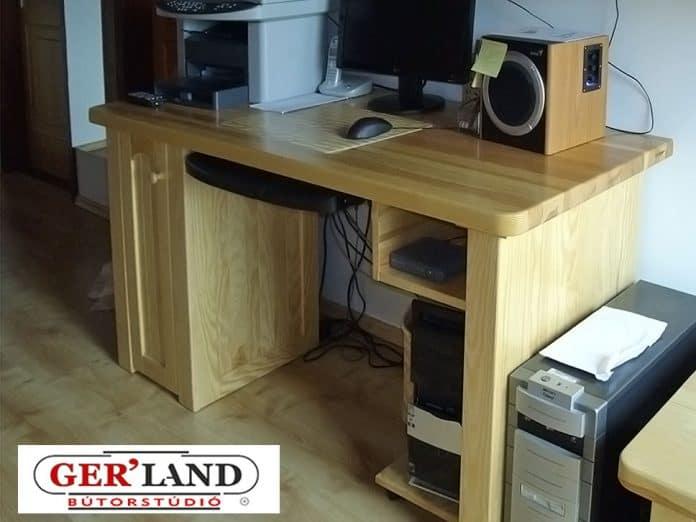 Számítógépasztal tömör fenyőből