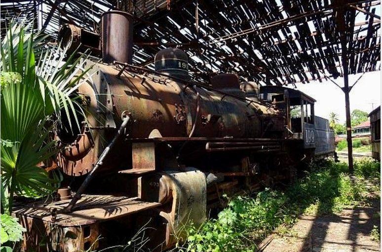 Vieja locomotora en la Estación de Zacapa