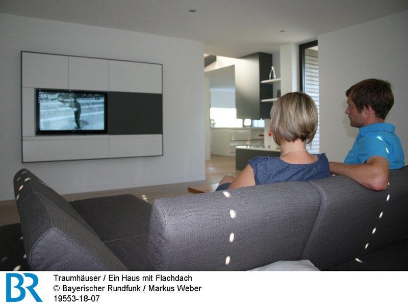 Die Blickachse funktioniert auch umgekehrt: Vom Wohnzimmer bis zum Küchenfenster.