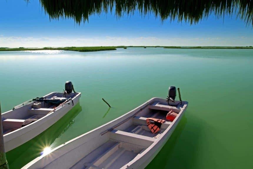 Touren im Boot in Sian Kaan, Mexiko